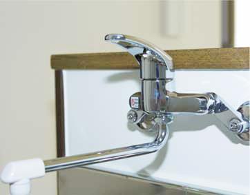 壁付水栓タイプ